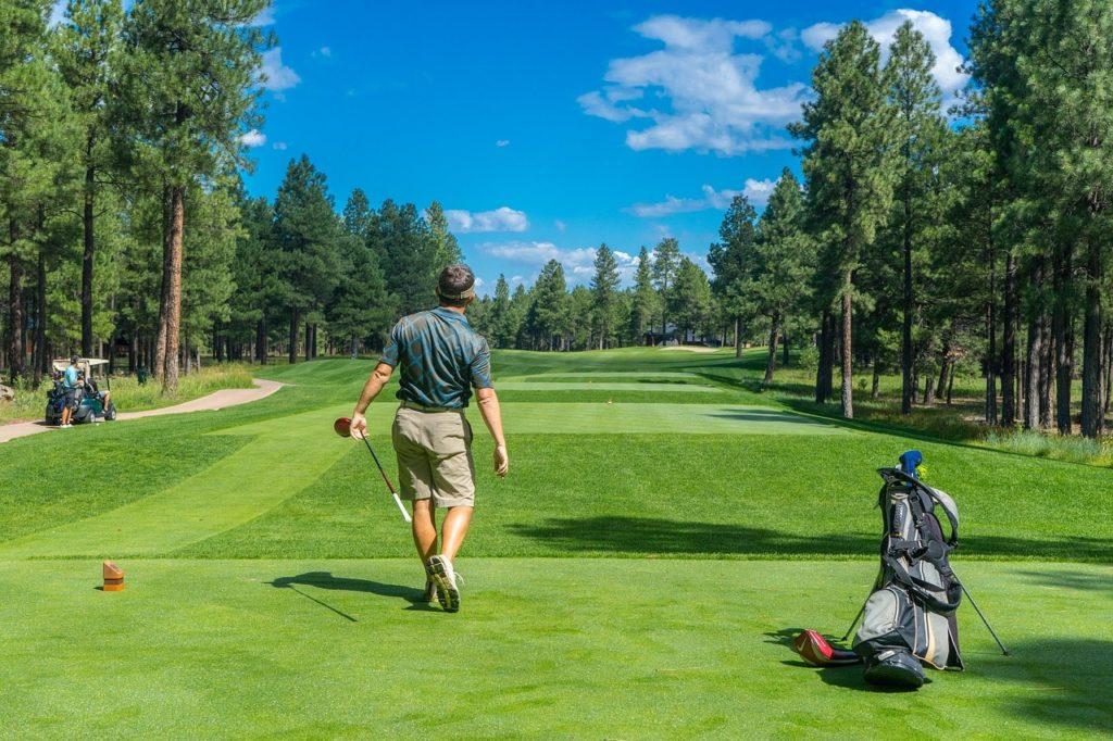 【薄暮ゴルフ】薄暮プレーの出来るゴルフ場紹介!午後・夕方からのハーフプレーあり